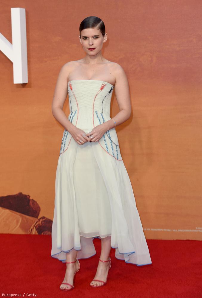 Kate Mara a Kártyavár sorozat újságírójaként lehet ismerős, szerepelt még a Vasember 2-ben, a Transzcendensben, A fantasztikus négyesben is.