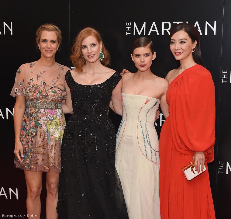 A Mentőexpedíció című Matt Damon filmben a képen látható színésznők játsszák a főbb női szerepeket